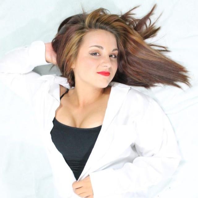 Female model photo shoot of Riggsy