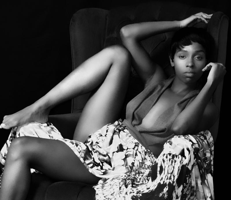 Female model photo shoot of Tay H