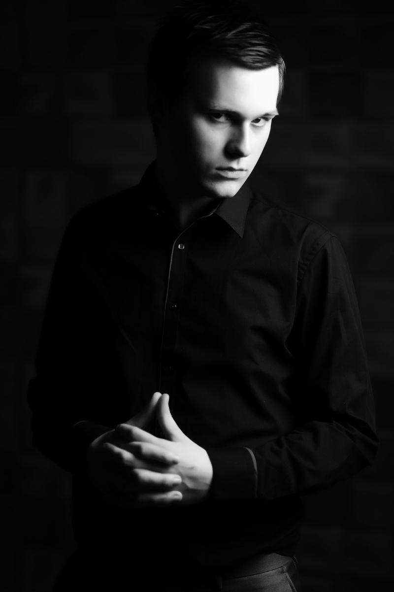 Male model photo shoot of Owen Keane in KENSINGTON