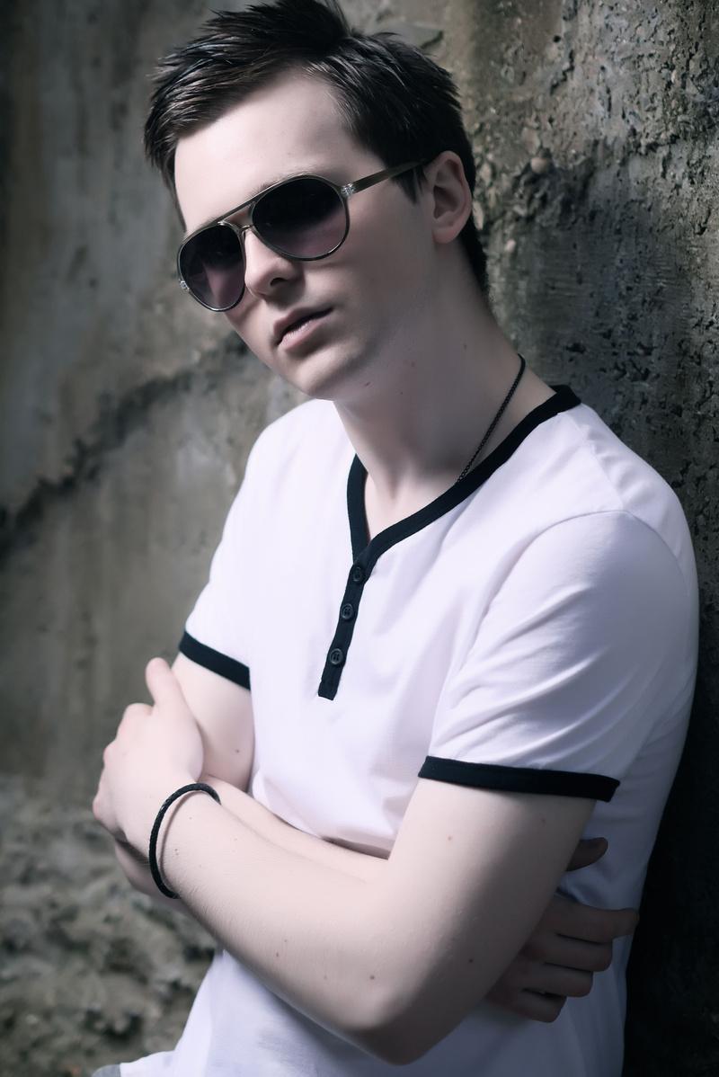 Male model photo shoot of Owen Keane in OXFORD STREET