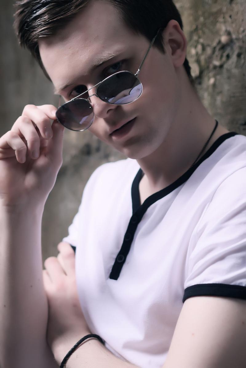 Male model photo shoot of Owen Keane in HOLLYWOOD