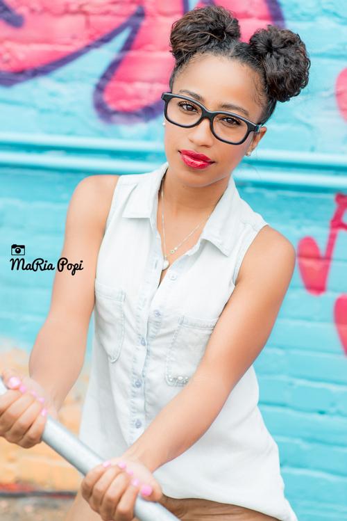 Female model photo shoot of TrenaIchante
