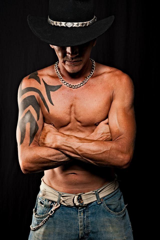 Male model photo shoot of HOLLYWOOD78 in Churubusco,IN