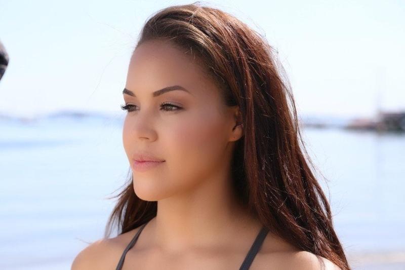 Female model photo shoot of tristaxlyn, makeup by jocelynmariah