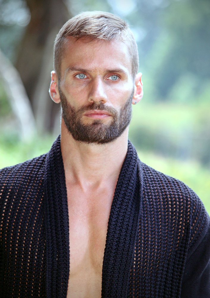Male model photo shoot of Mike Ross Pix and xaviervorig in Belgium