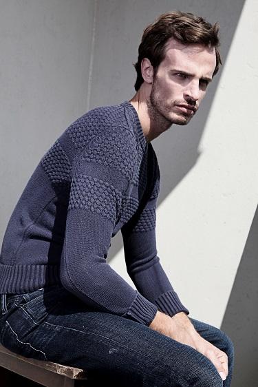 Male model photo shoot of Sean-Michaels by Juan Neira