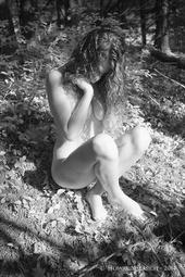 http://photos.modelmayhem.com/photos/140825/12/53fb918a1d04b_m.jpg