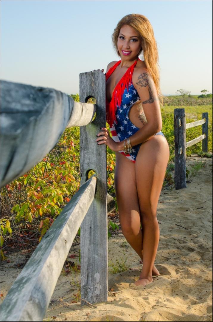 Female model photo shoot of Jasmine Armstrong