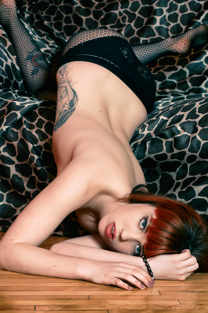 Female model photo shoot of ElizabethJean-Official