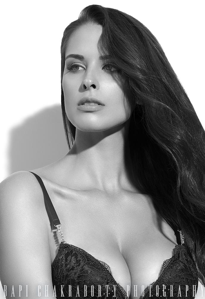 http://photos.modelmayhem.com/photos/140908/22/540e8ea4799bb.jpg