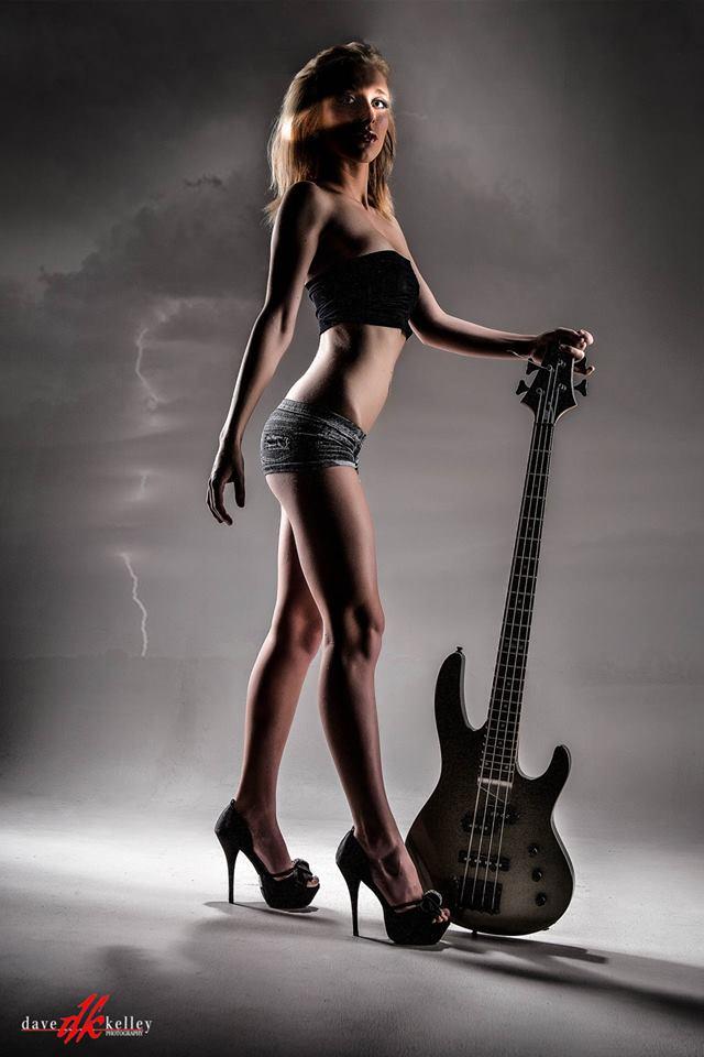 Female model photo shoot of Ashlie-Kirsten