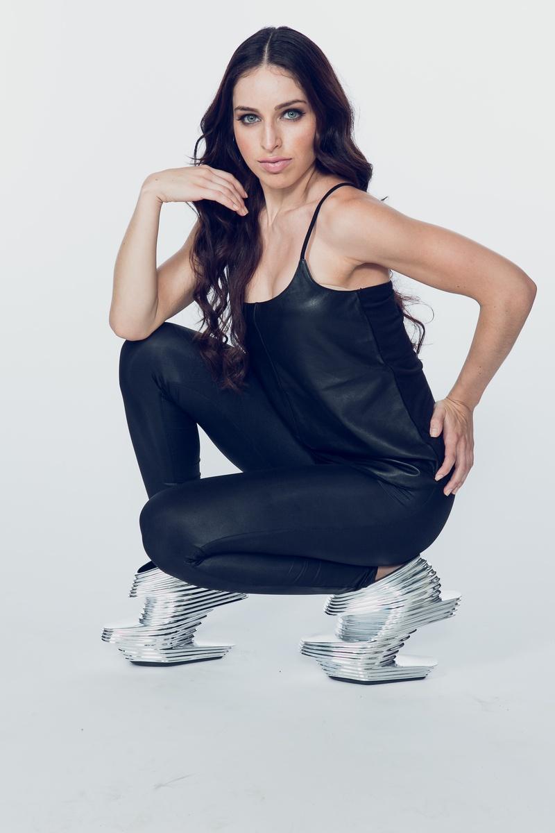 Female model photo shoot of Corinne Sill