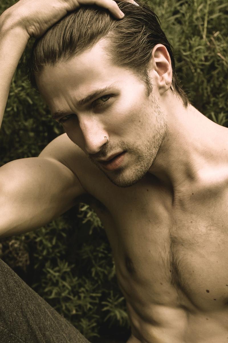 Shawn Hektor Nude Photos