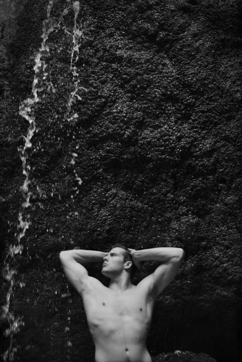 Male model photo shoot of dmo9064