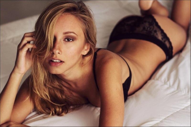 Female model photo shoot of Rebecca Seals in Miami, FL