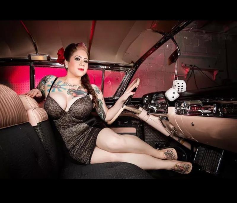 Female model photo shoot of Laura Lonestar