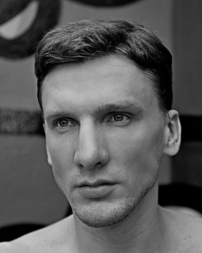 Male model photo shoot of Viktor Krav