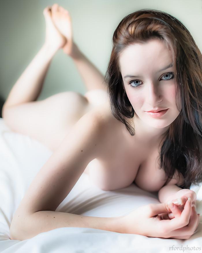 https://photos.modelmayhem.com/photos/140919/10/541c644dd7a84.jpg