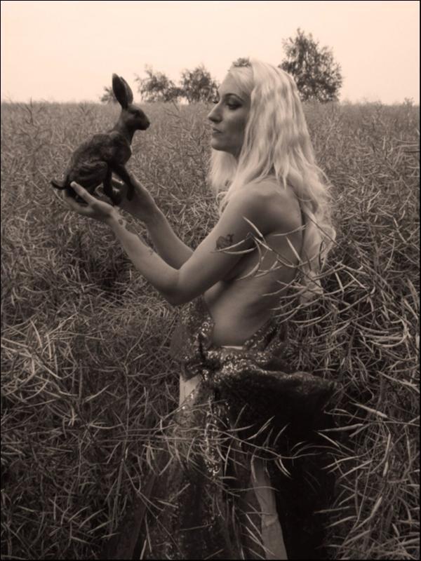 Female model photo shoot of kittyd