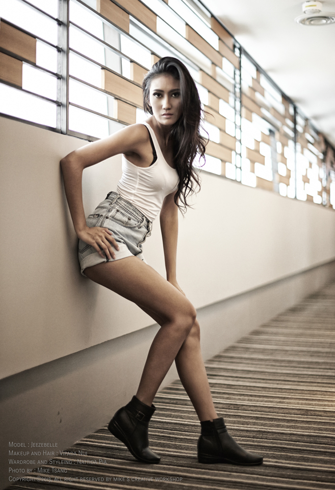 Female model photo shoot of JeezyBelle