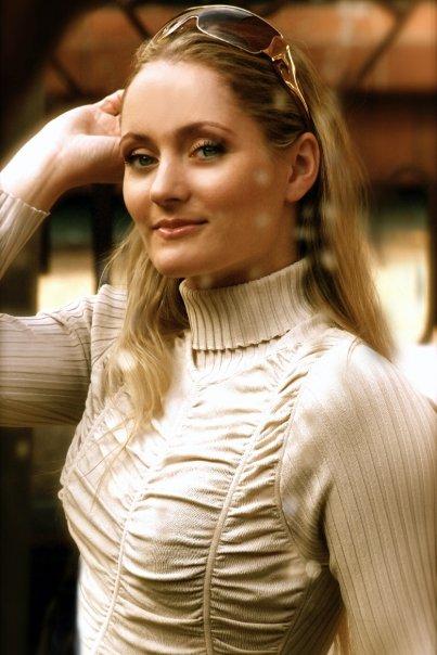 Female model photo shoot of Beatrice Ring Photos
