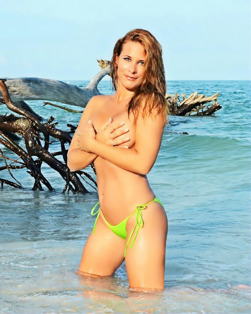 Female model photo shoot of JessicaRose1 in Florida