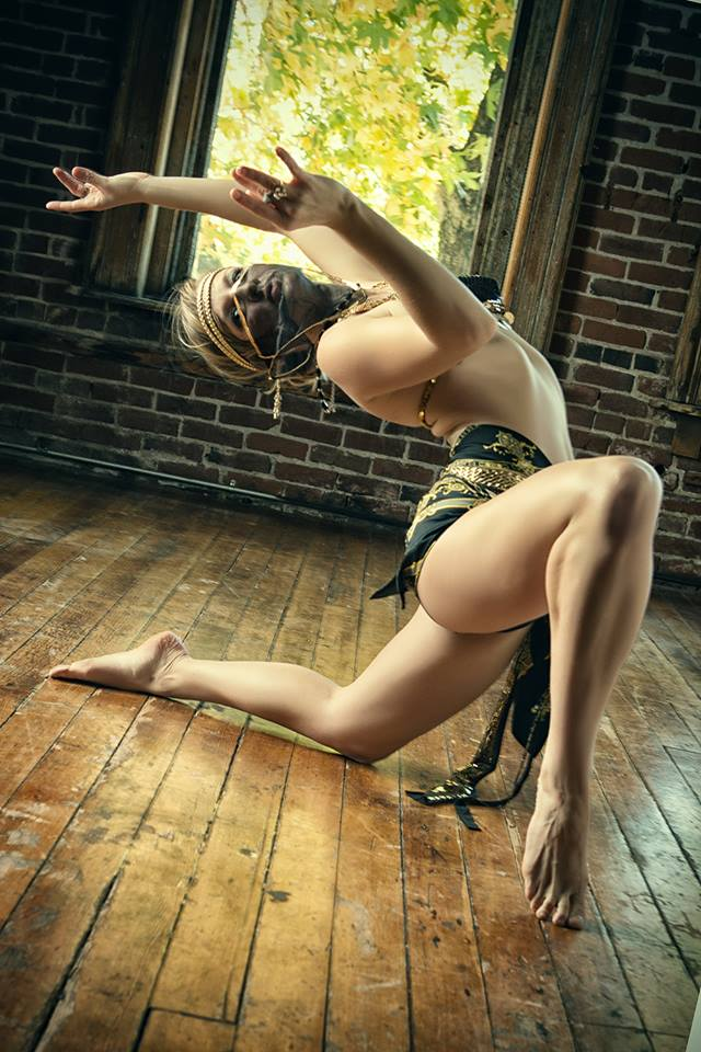 Female model photo shoot of Meow Moondancer in Portland, Oregon