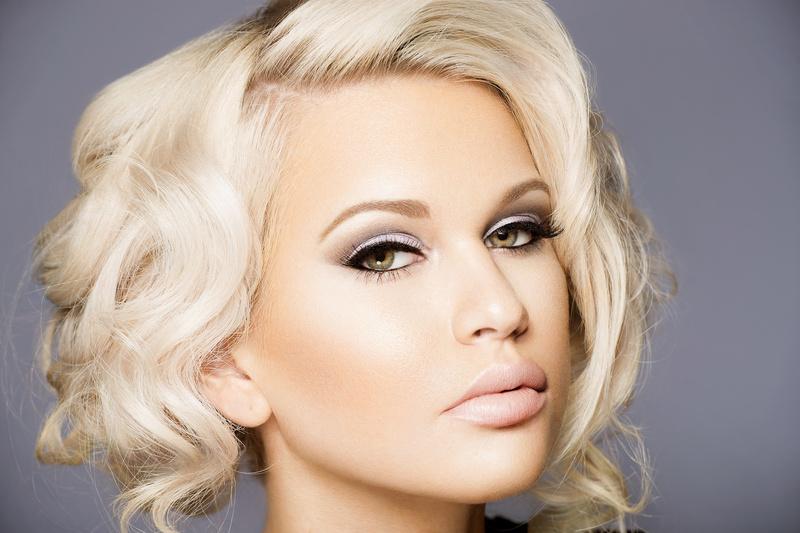 Female model photo shoot of Shaune Hayes