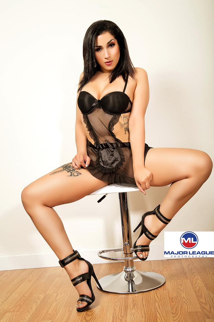 http://photos.modelmayhem.com/photos/141121/23/54703a5681e23.jpg