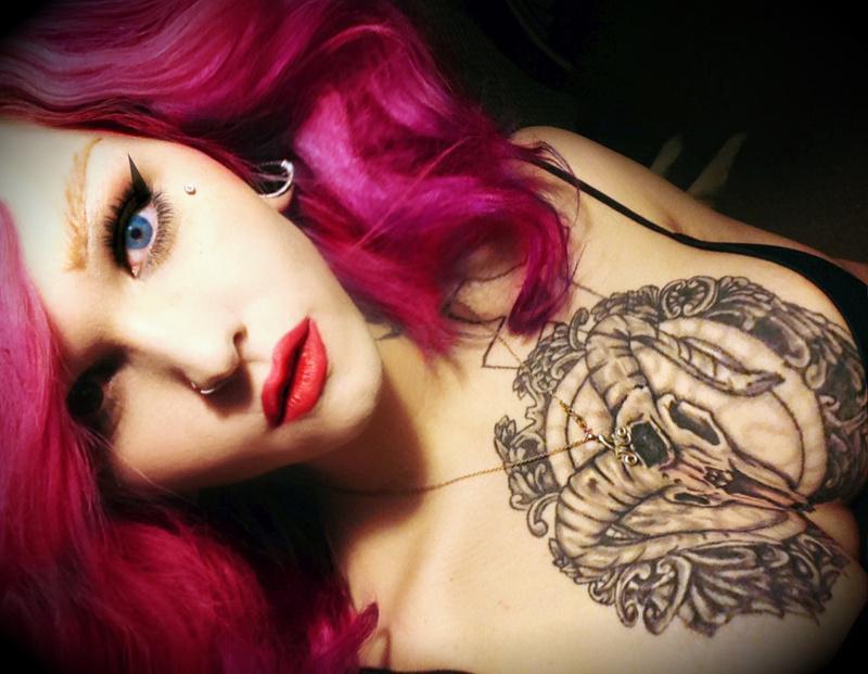 Female model photo shoot of The Ashlyn