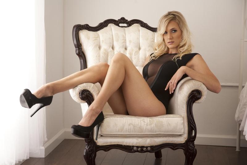 Female model photo shoot of Lisa
