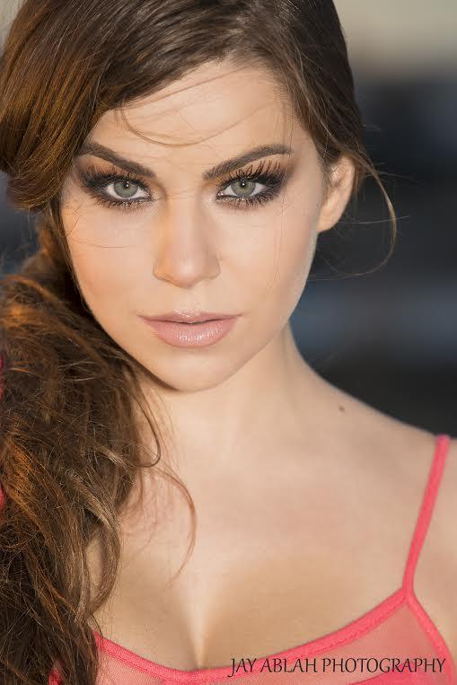 Female model photo shoot of Stephanie Manescu