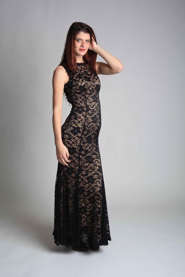 Female model photo shoot of daniellejachlewski