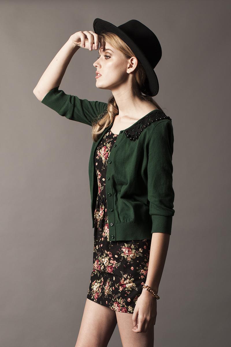 Female model photo shoot of koriballoon