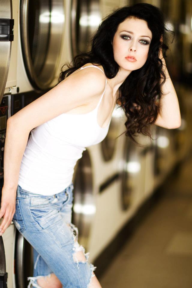 http://photos.modelmayhem.com/photos/141229/15/54a1dece4d8fd.jpg