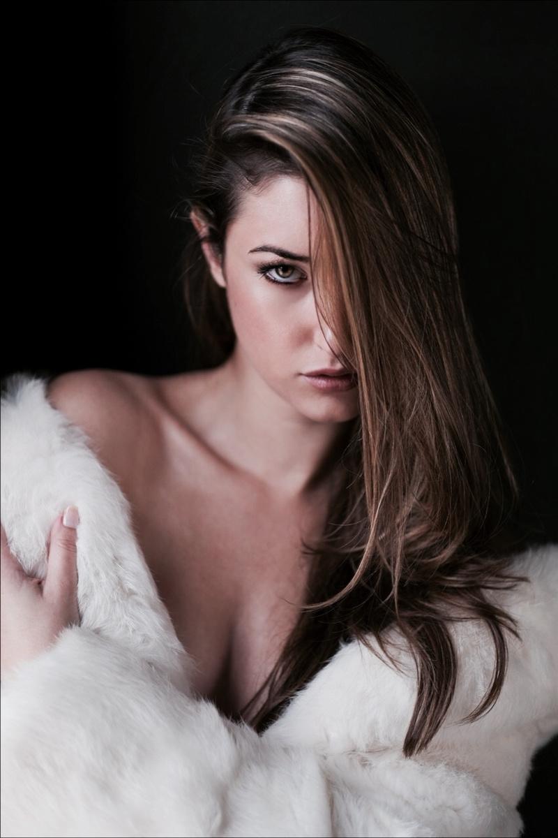 Female model photo shoot of Hailey Athearn