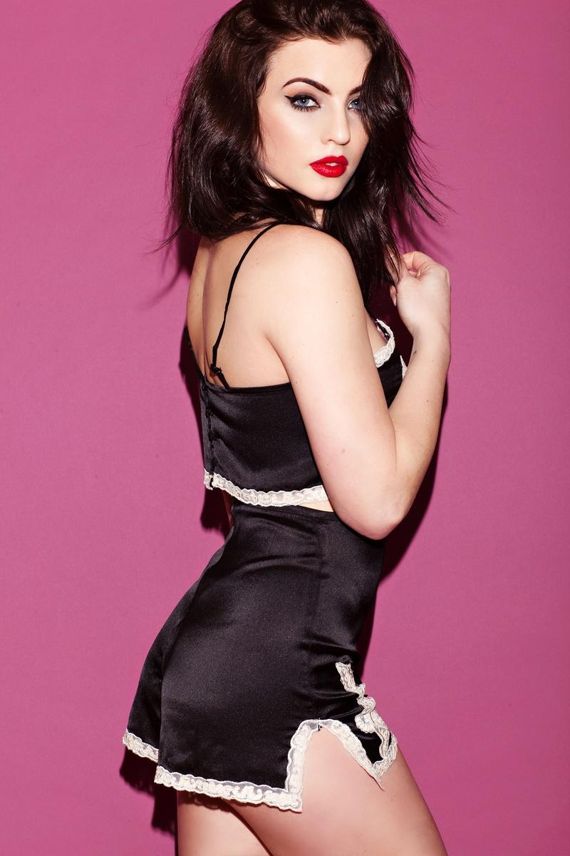 Female model photo shoot of Rachael Osburn