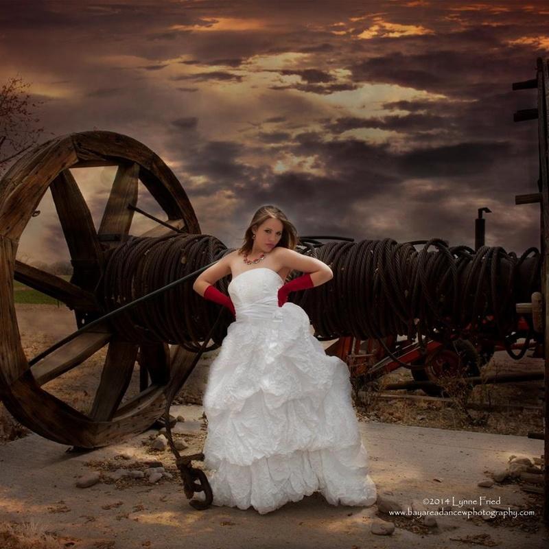 Female model photo shoot of Eliz Rose in Fallen, NV