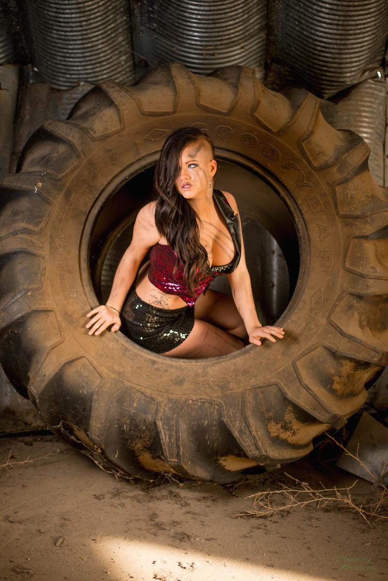 Female model photo shoot of Davina Faye 278