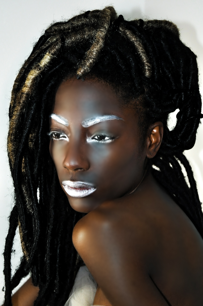 Female model photo shoot of photoartphotography