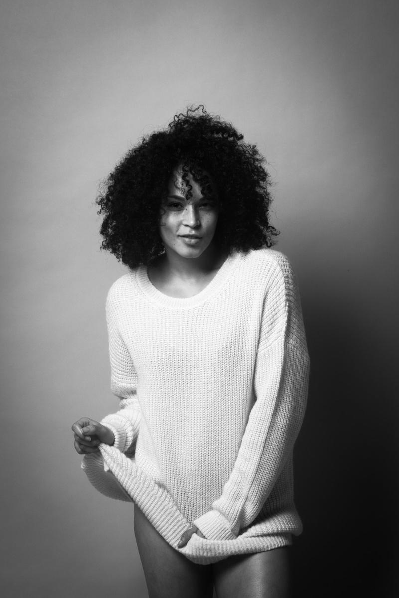 Female model photo shoot of Hana Frank