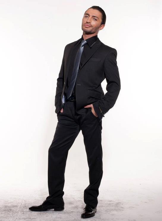 Male model photo shoot of Jason Maximus