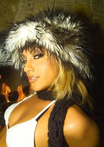 Female model photo shoot of Colleen K