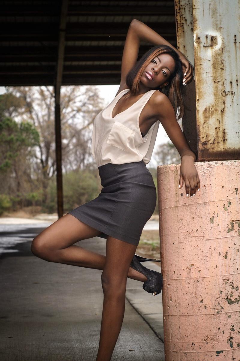 Female model photo shoot of Shan Williams