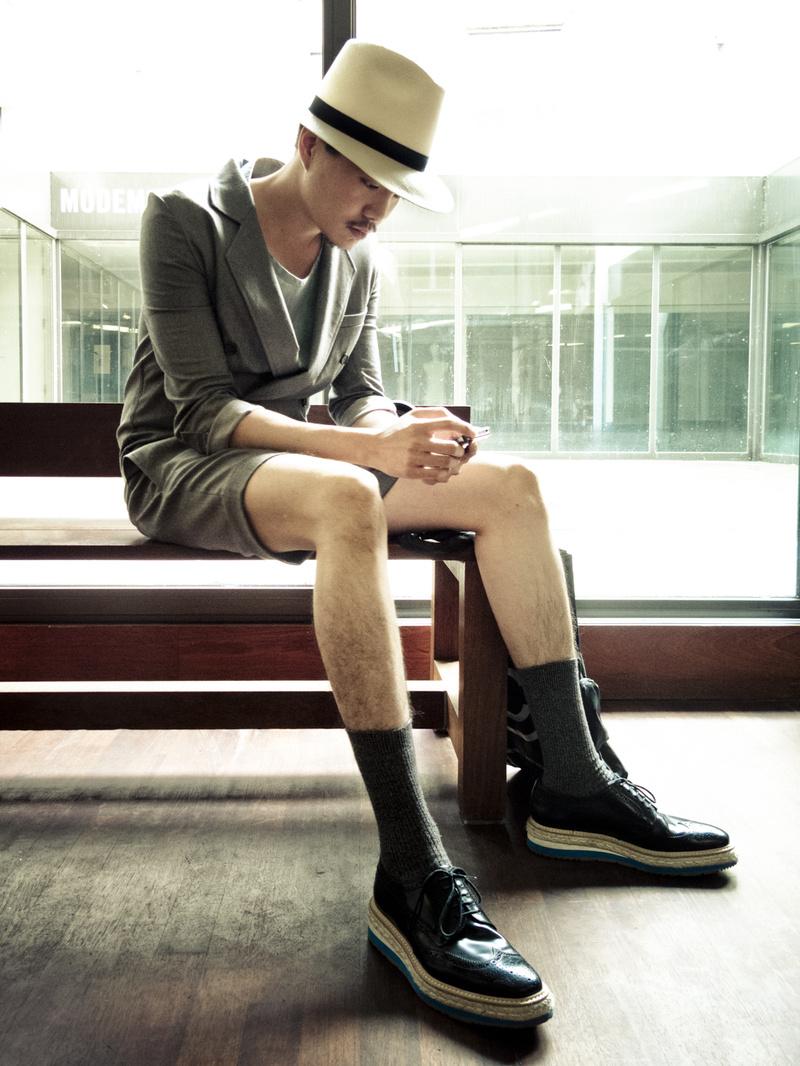 Male model photo shoot of Raf van den Bogaert