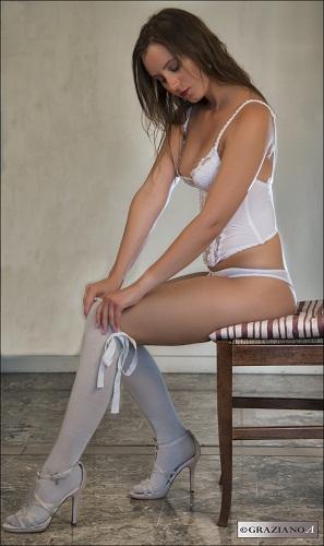 Female model photo shoot of alystar