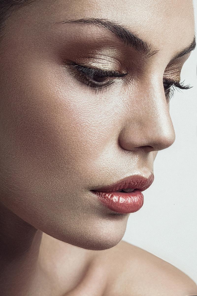 Female model photo shoot of Anastasiya Shevchenko
