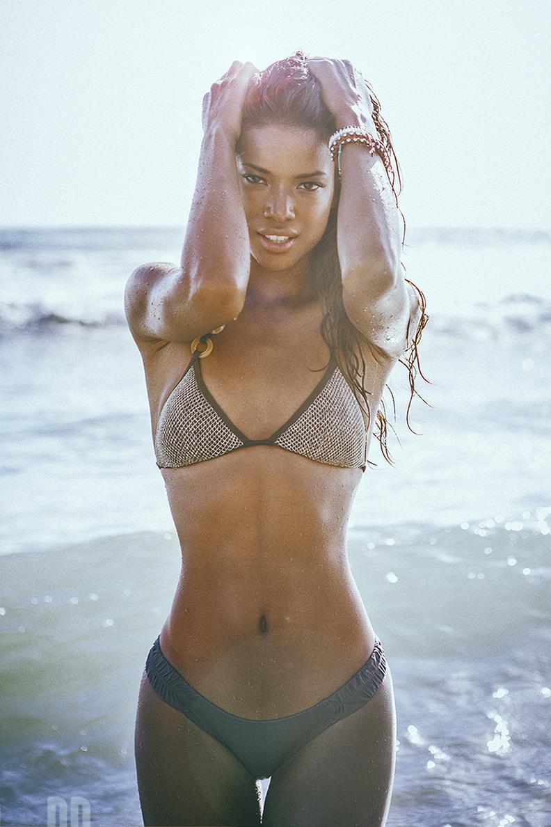Sheer micro bikini modeling underwater - 3 2