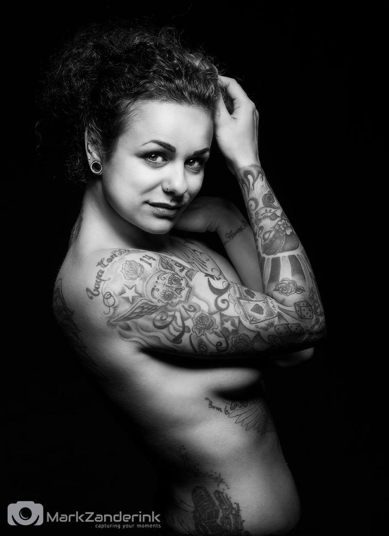 Female model photo shoot of Rotkind