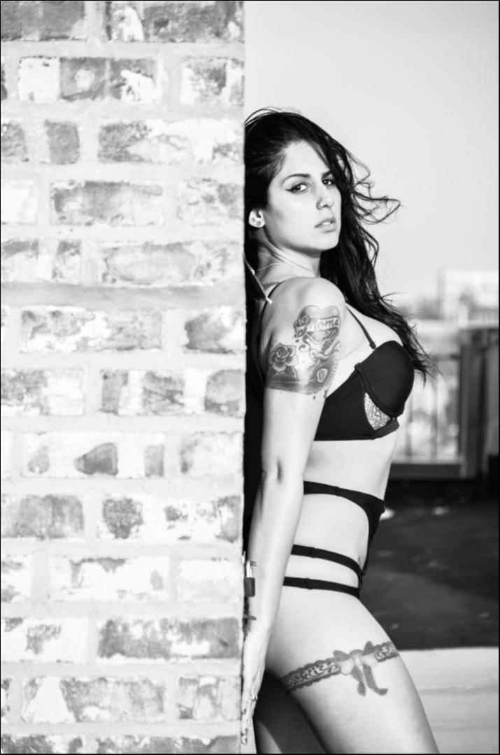 Female model photo shoot of jennyjonesin